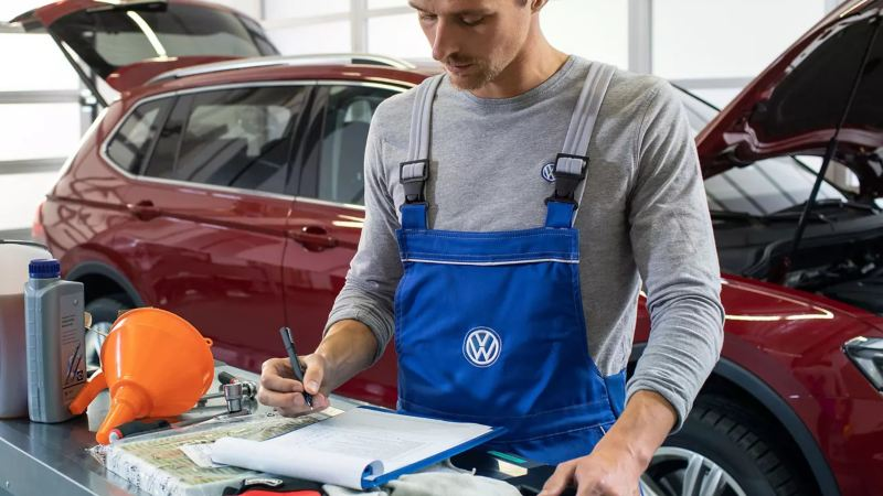 How to Use Car Factory Service Manuals Optimally